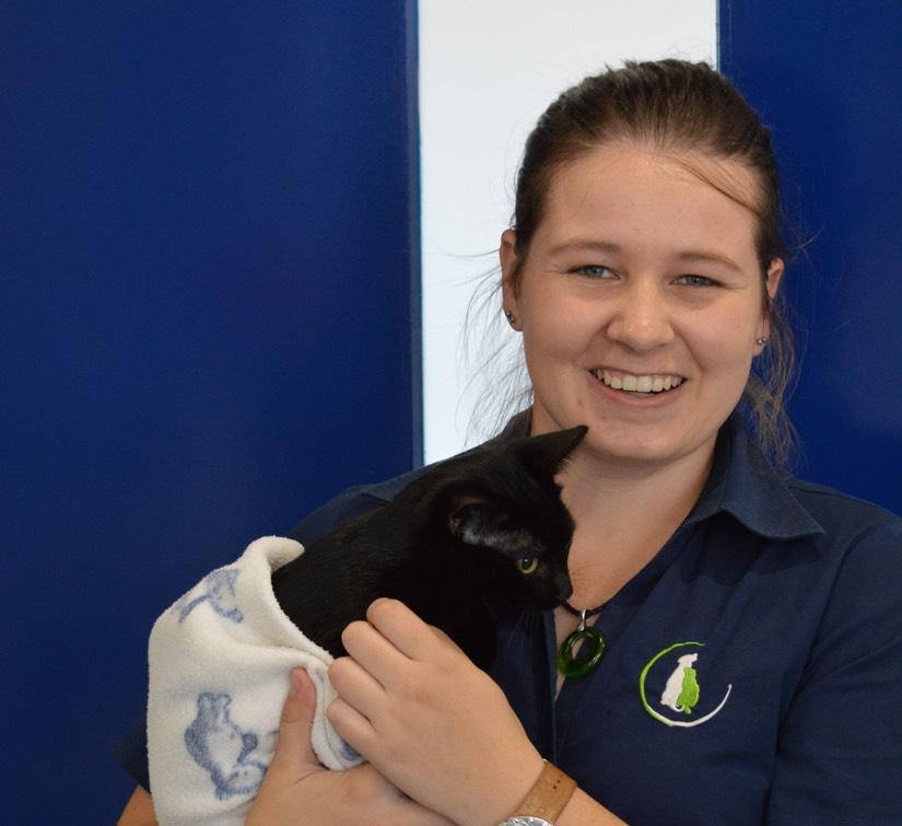 Ashleigh - Certified Veterinary Nurse @ Spring Gully Animal Hospital Bendigo